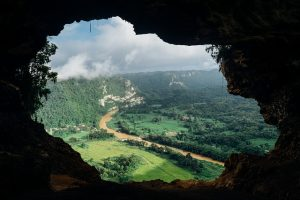 Hole overlooking valley, offering shelter